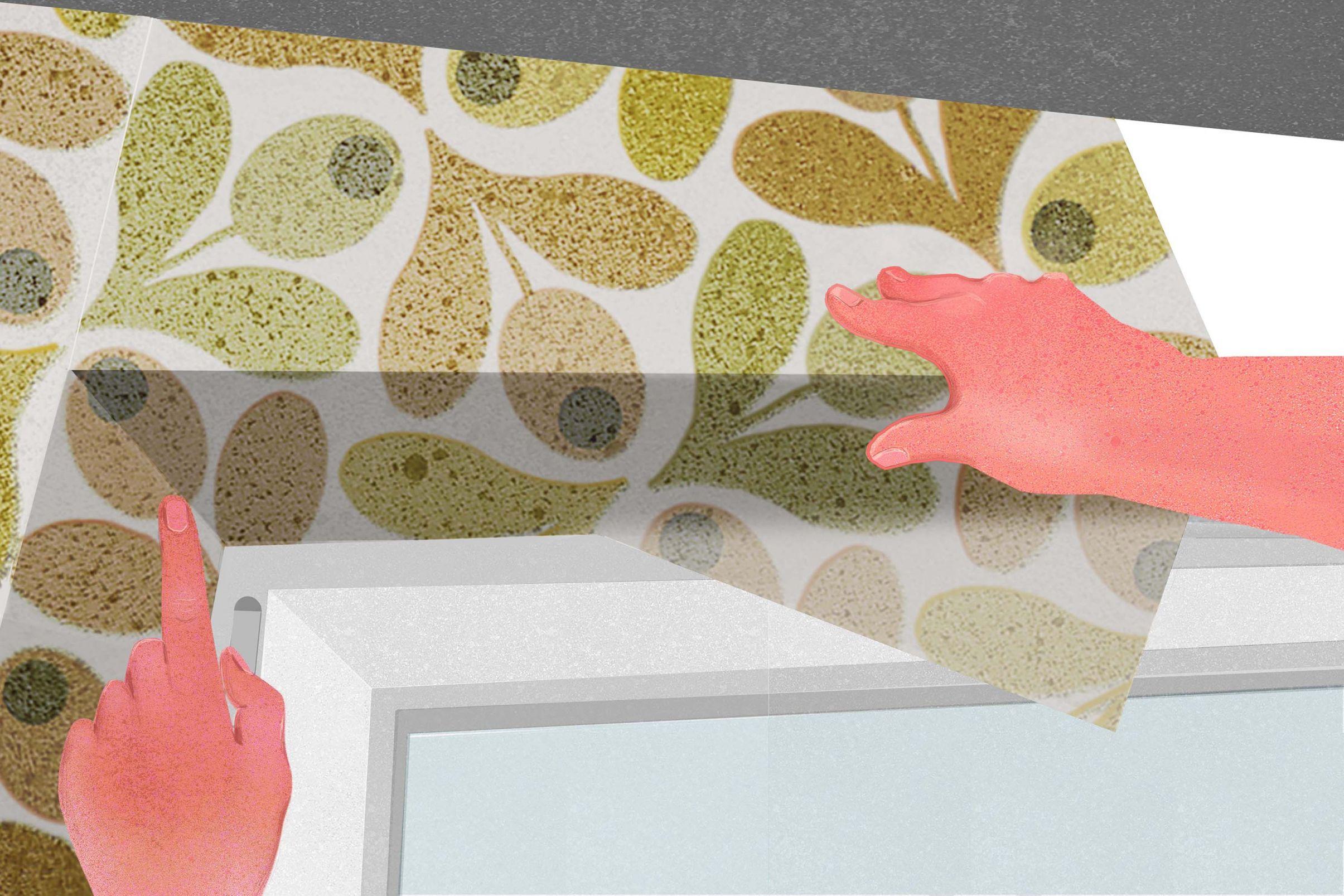 Como-empapelar-alrededor-de-puertas-y-ventanas-Colocar-la-primera-tira-de-papel-pintado-por-encima-de-la-ventana