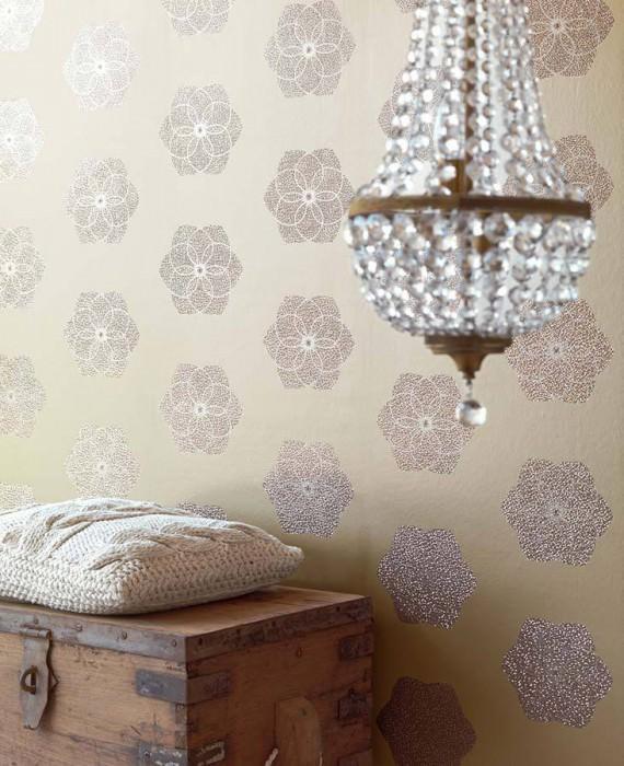 Wallpaper Nandi Shiny pattern Matt base surface Diamond-shaped blossoms Light ivory Silver grey glitter