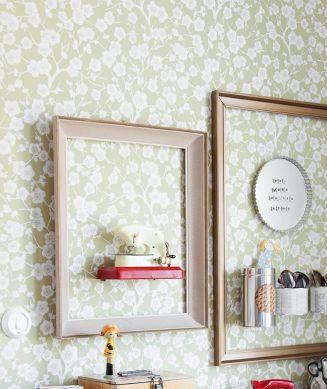 Papel pintado Laila beige verdoso Ver habitación