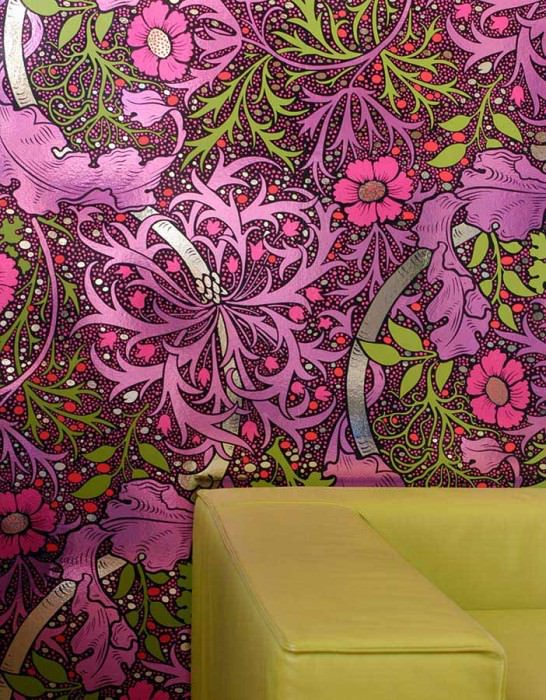 Wallpaper Kabloom Chrome effect Shiny Tropical plants Black Chrome lustre Heather violet Yellow green Light violet