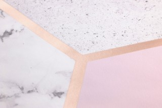 Papier peint Novara Motif chatoyant Surface mate Hexagones Imitation marbre Gris Blanc gris Rosé clair Rosé pâle Bois de rose chatoyant