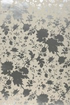 Wallpaper Wanda Shimmering pattern Matt base surface Flower tendrils Grey white Silver metallic