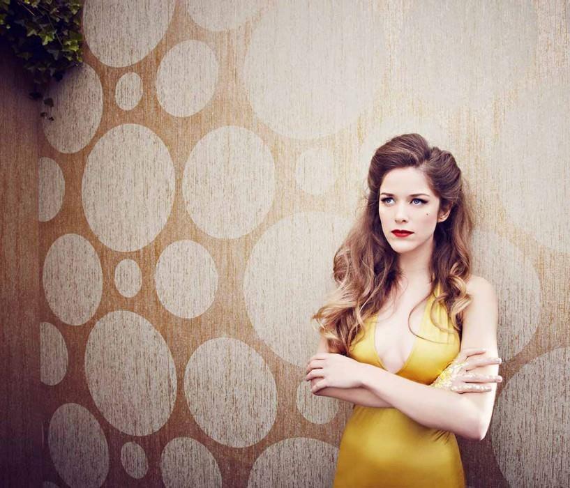 Wallpaper Sabulana Shimmering Circles Gold White silver Light grey