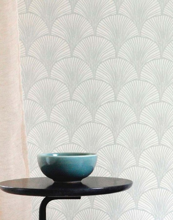 Wallpaper Nippon Shimmering pattern Matt base surface Fan pattern Stylised leaves Cream Light grey shimmer