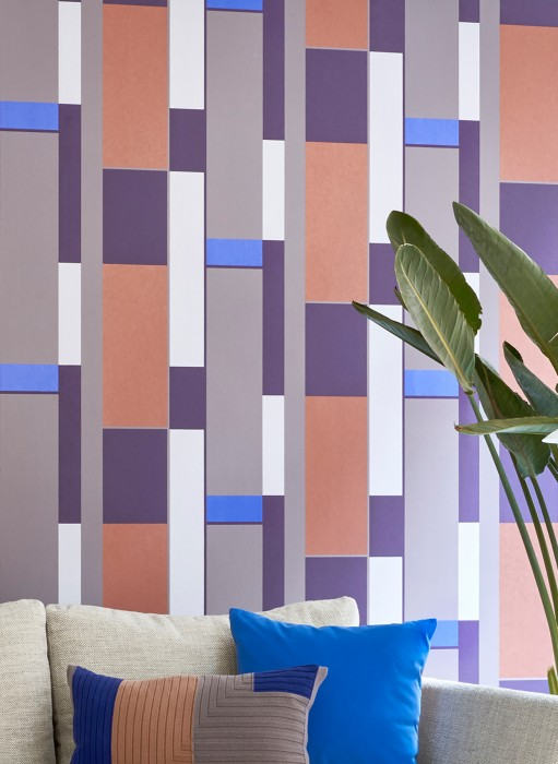 Wallpaper Malou Matt Geometrical elements Rectangles Pale grey brown Blue shimmer Dark violet Copper brown White