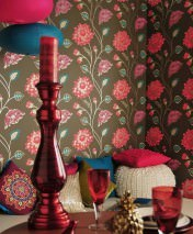 Tapete Olina Matt Blumen Dunkelbraun Erdbeerrot Perlbeige Violett Weissgold