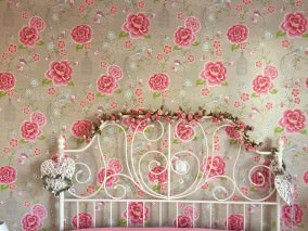 Wallpaper Amina Matt Flowers Birds Bird cages Light grey beige Strawberry red Yellow green Rose White
