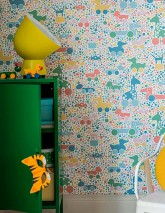 Wallpaper Trilli Hand printed look Matt Dots Toys Animals Cream Blue Yellow Green Light blue Salmon red Rose